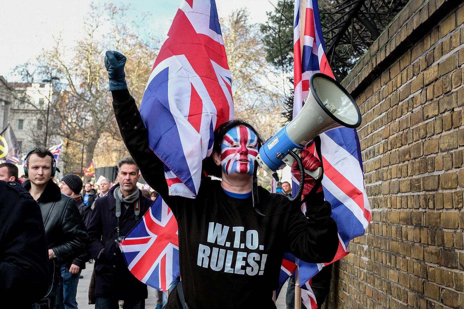 Pro and Anti Brexit Campaigners