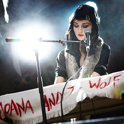 Joana and the Wolf