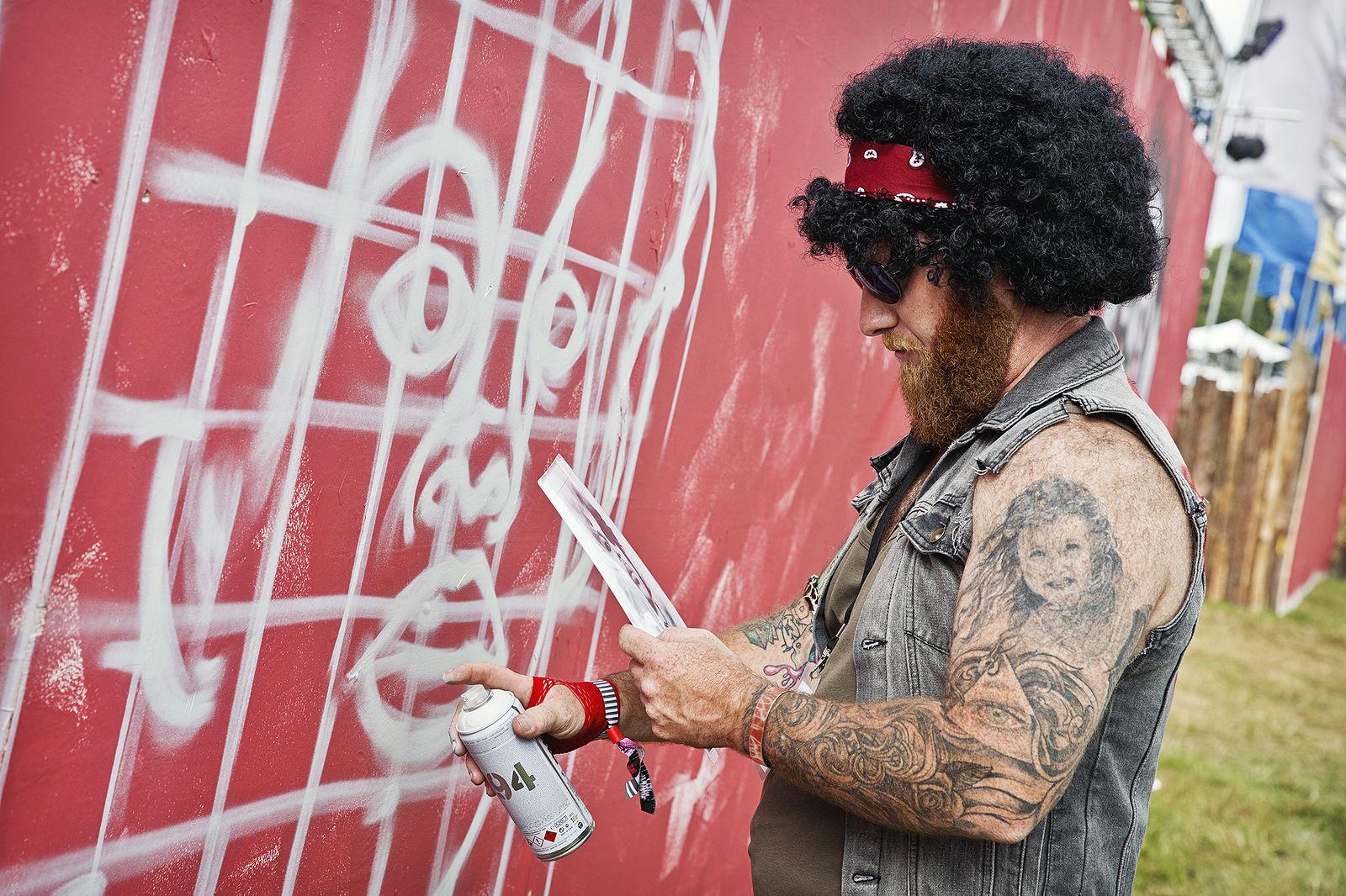 V Festival 2016 - Graffiti Artist - Bianca Barrett