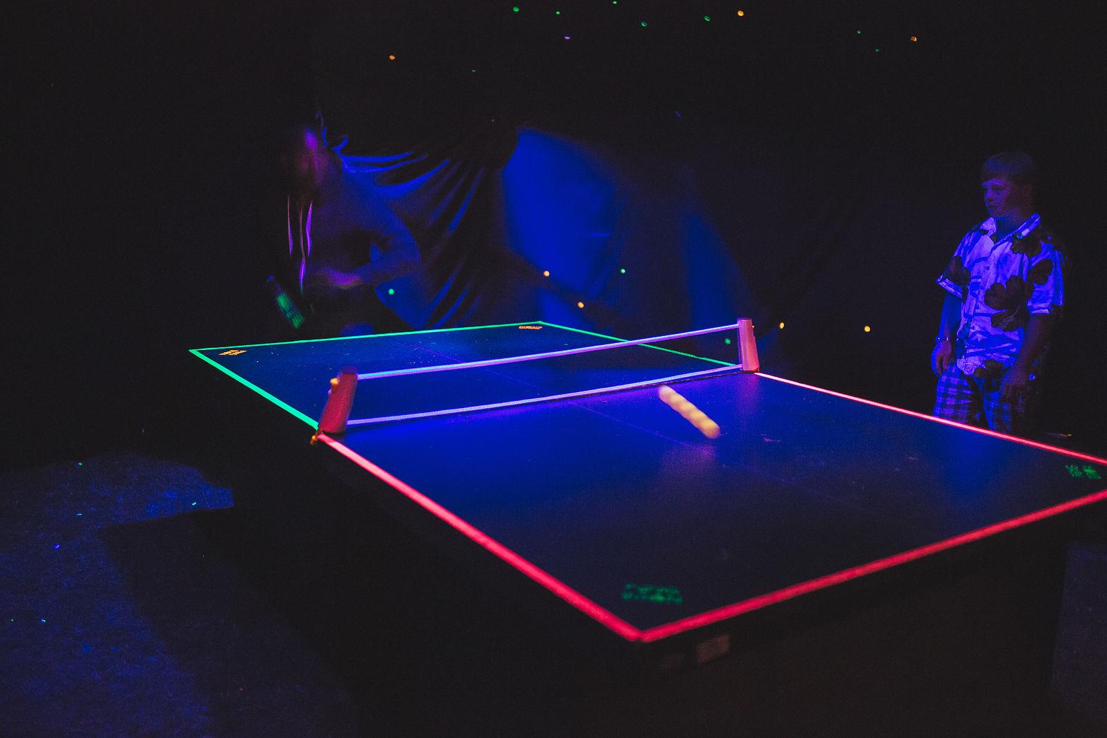 Tron Ping Pong