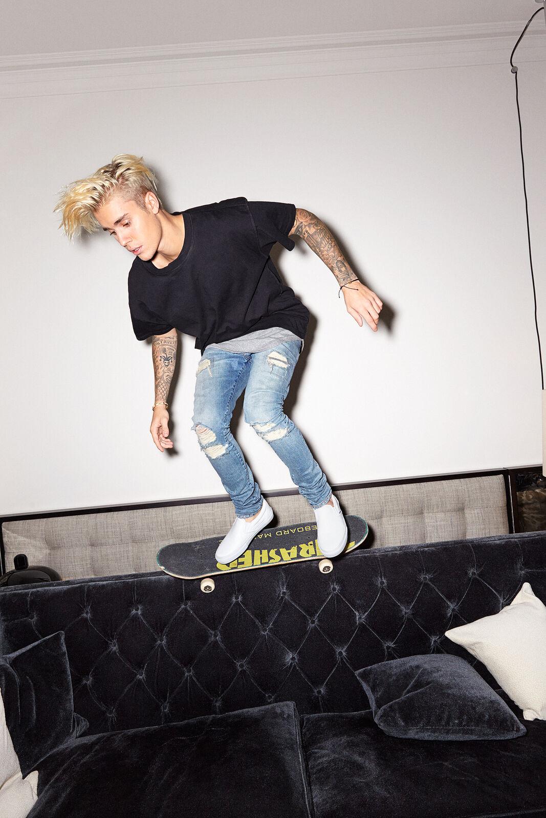 Justin Bieber : Sofa Surfin'