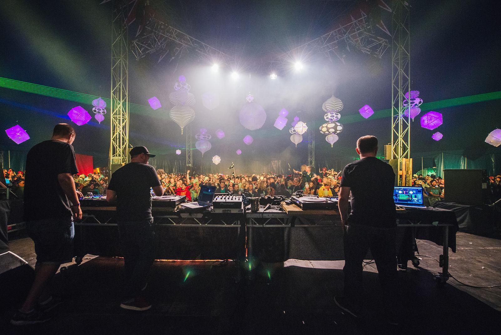 DJ Food Cheeba & Moneyshot
