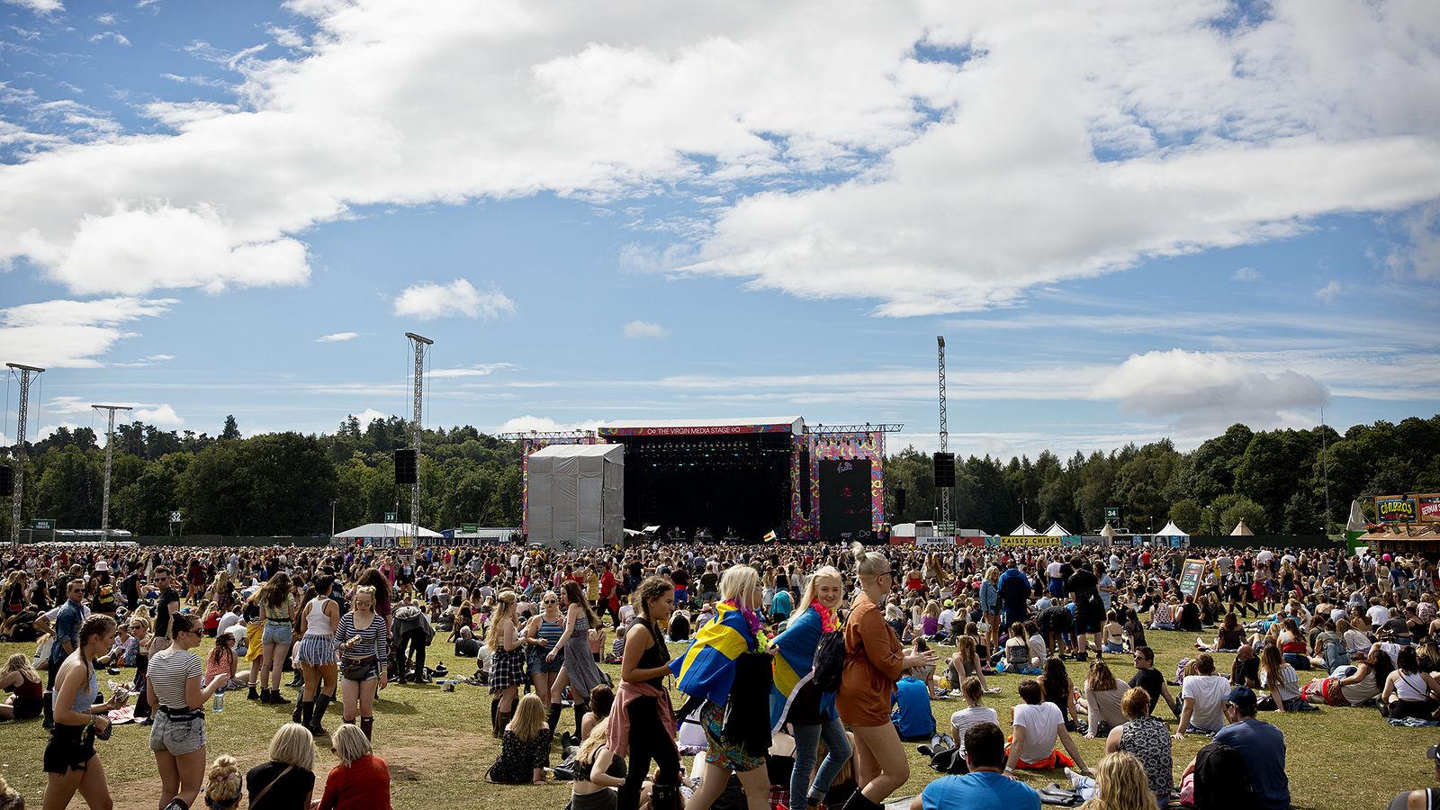 V Festival 2016 - Main Arena - Bianca Barrett