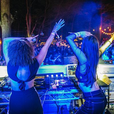 Pandora & Andrea