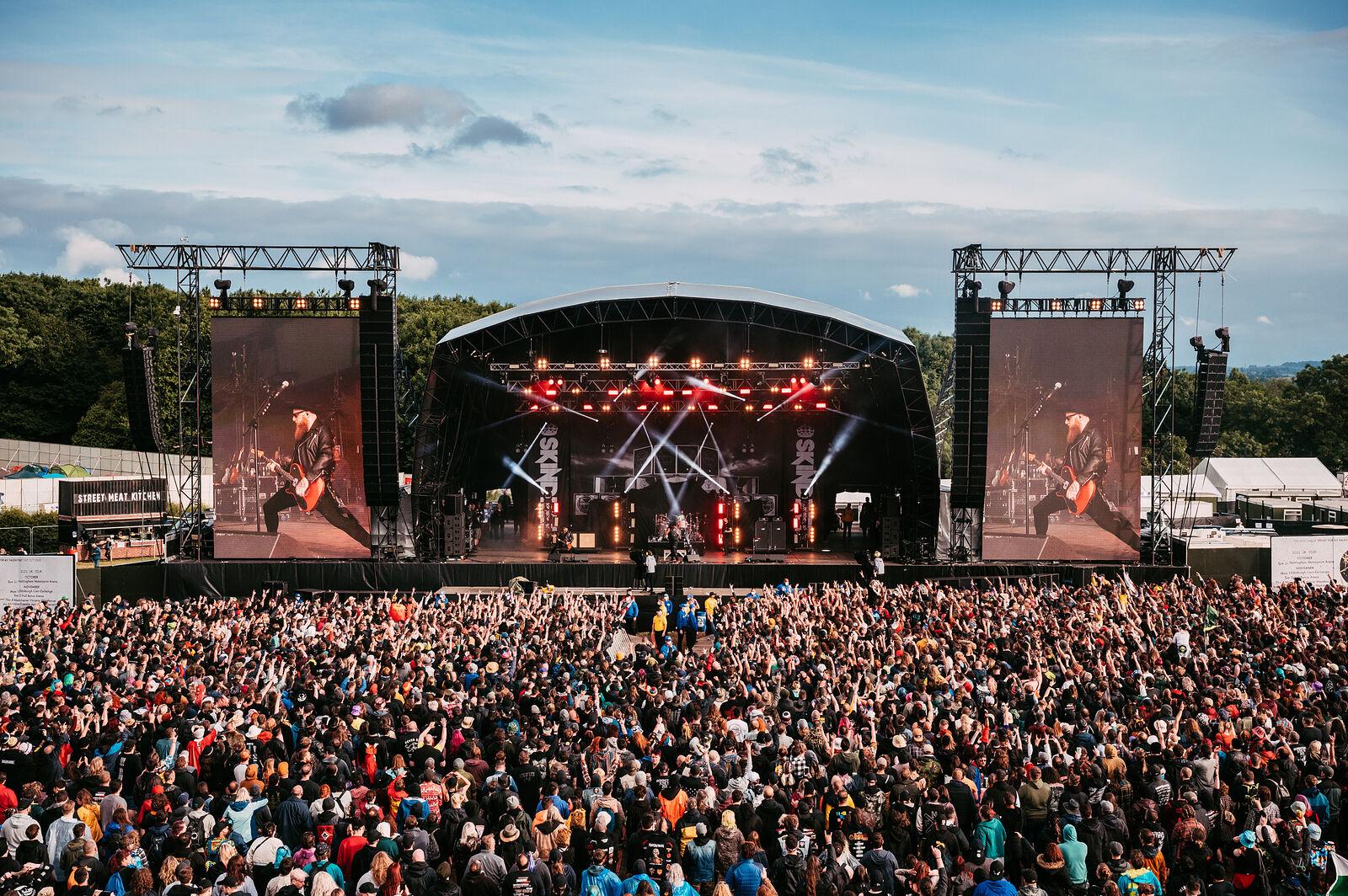 Download Festival Pilot