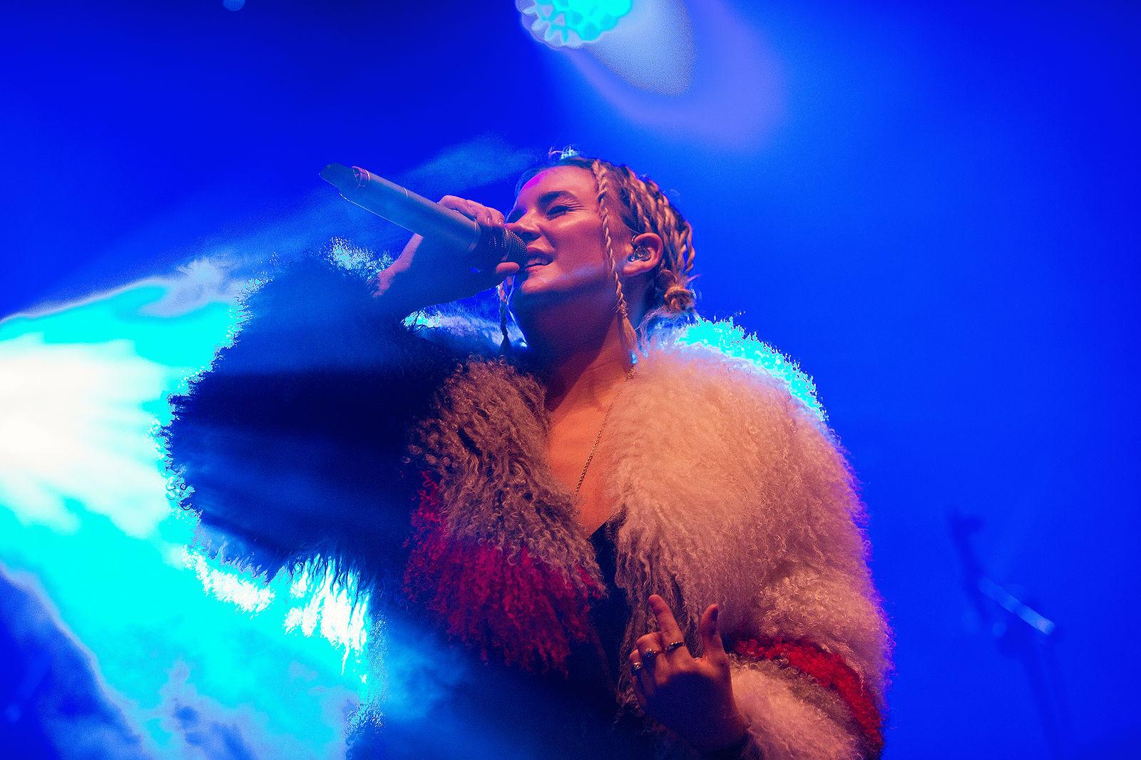 Anne Marie at V Festival 2016 by Bianca Barrett